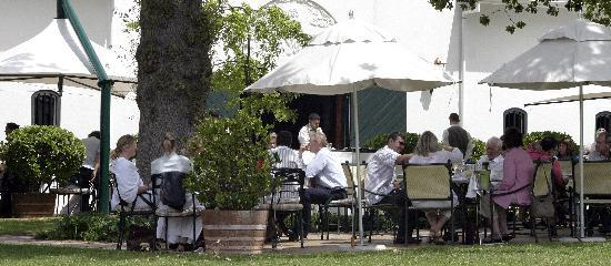 Steenberg Hotel: Sunday Jazz Lunch Buffet at Catharina's