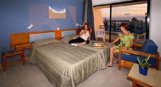 Napa Prince Hotel Apartments: STUDIO APARTMENT