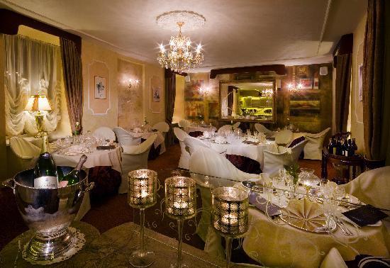 "Imperial Hotel & Restaurant(former Ramada): Restaurant ""California Gourmet"""