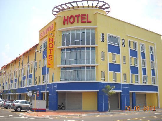 Sun Inns Kuala Selangor: Hotel Exterior