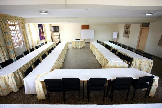 Shalom House: Conference hall