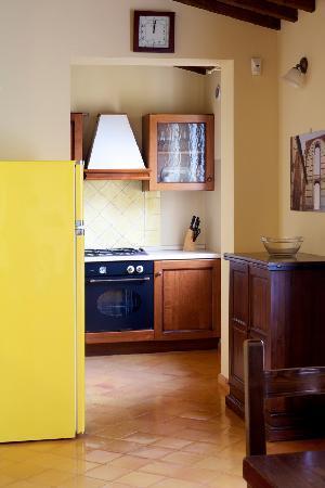 Villa il Borghetto Siena_Depandance_Refrigerating&Kitchen