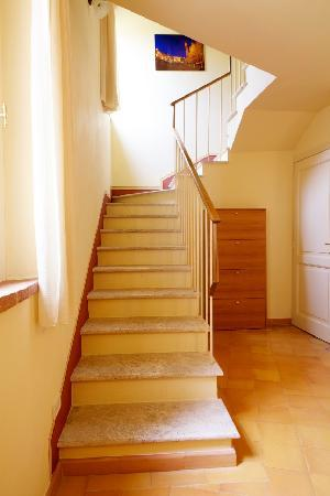 Villa il Borghetto Siena_Depandance_Stairs