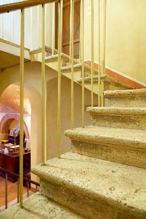 villa il Borghetto Siena_Stairs