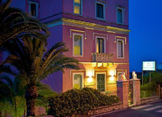 Hotel La Pensione Svizzera: Hotel Sunset