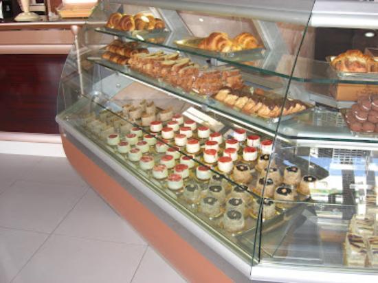 Veranda Cafe & Restaurant: Cakes