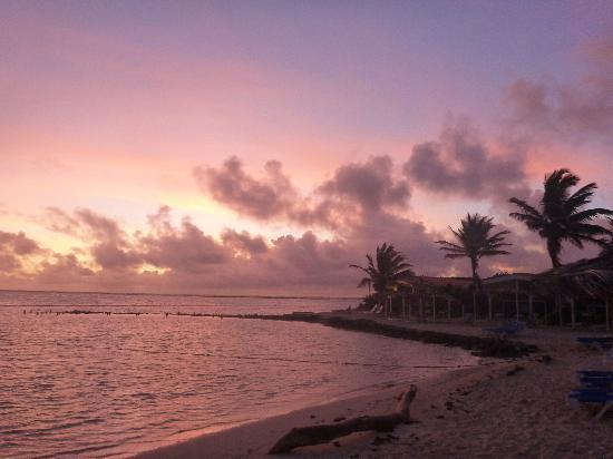 Sorobon Beach, Wellness & Windsurf Resort: Sunrise on the beach at Sorobon