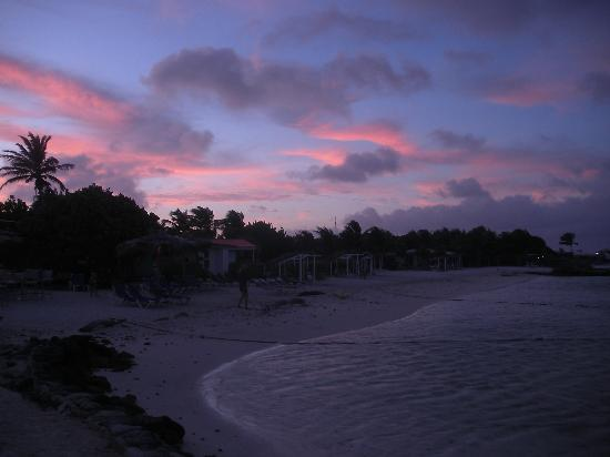 Sorobon Beach, Wellness & Windsurf Resort: Sunset behind Sorobon Beach Resort