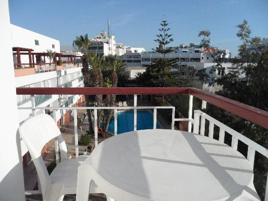 Hotel Kamal: We sat here early evenings with a glass of wine and a few olives!