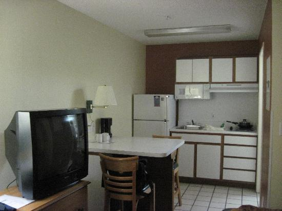 Suburban Extended Stay Albuquerque: The room