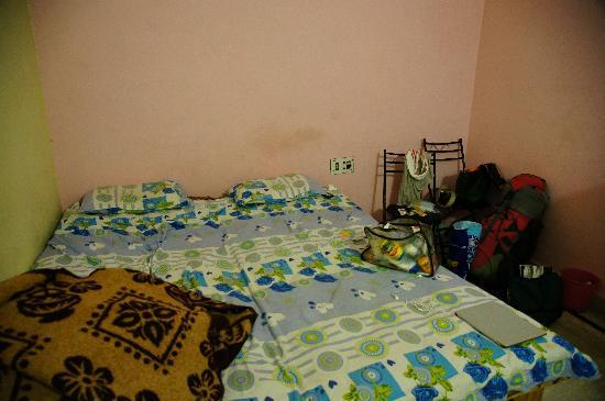 Rudra Guest House: who knows how many slept in the same sheets before we did..
