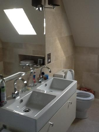 Kingsley Lodge: Platinum Room Bathroom