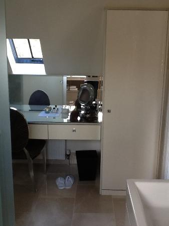 Kingsley Lodge: Dressing Room