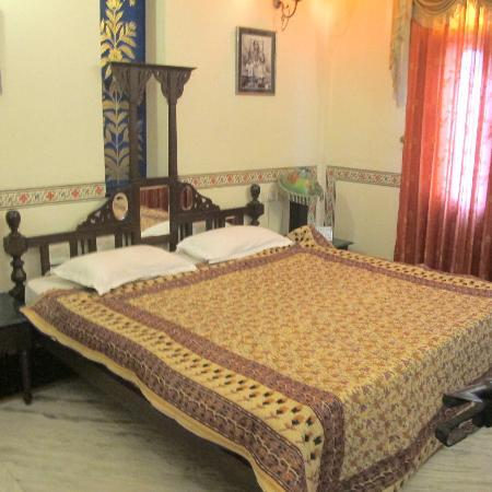 Umaid Mahal: Double bedded room