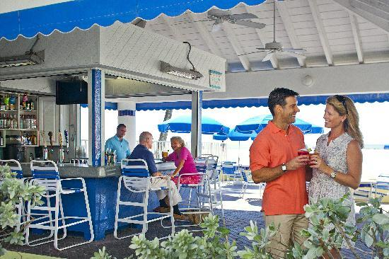 Alden Suites: Cabana Beach Bar
