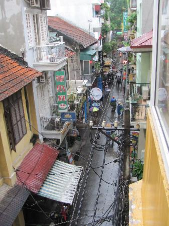 Vietnam Backpacker Hostels - The Original: view from the window 2