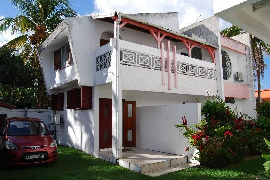 Krissy's Apartments : Вид снаружи
