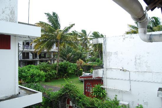Krissy's Apartments : Вид из лоджии