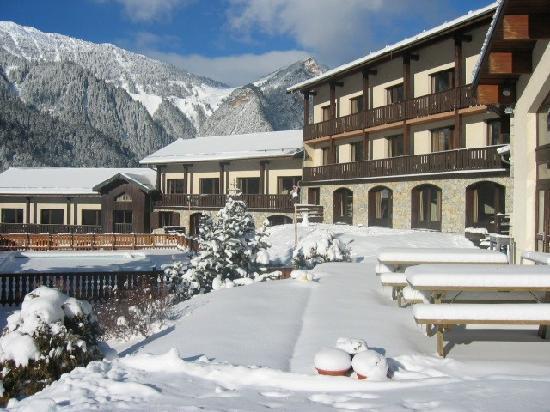 Le Telemark : Vue du batiment sous la neige