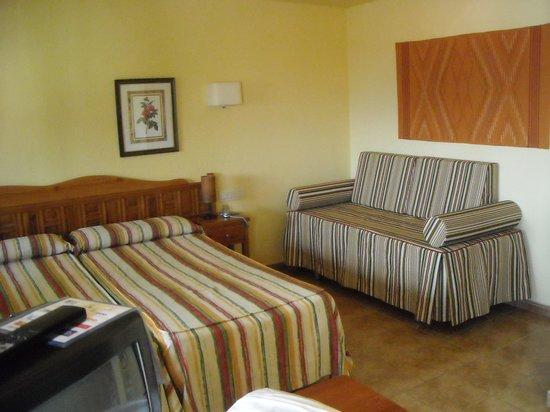 Alcadima Hotel: Habitación