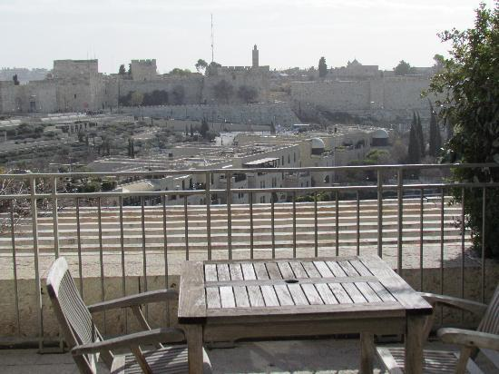 David Citadel Hotel: room with a view of the old city