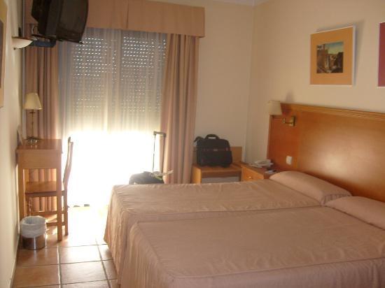 Hotel Dona Catalina: Room