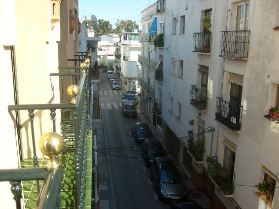 Hotel Dona Catalina: Backside hotel
