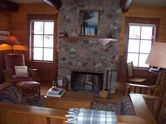 The Home Ranch : Living room in Columbine.