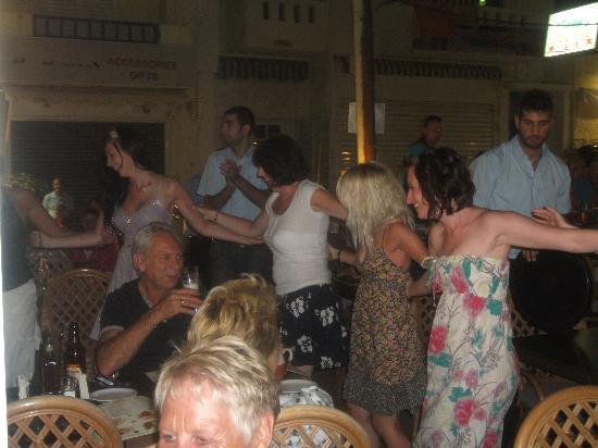 Maria's Golden Beach Tavern Restaurant : Bit of Greek dancing :)
