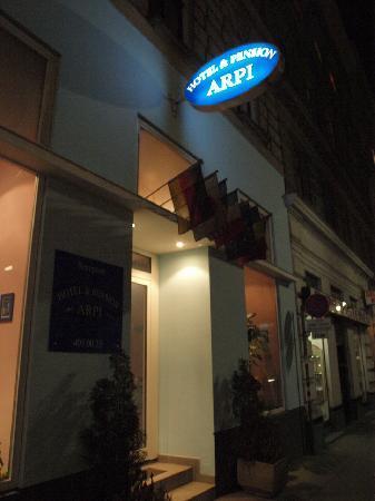 Hotel Arpi: Fachada