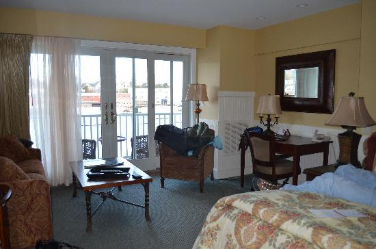 Grand Harbor Inn: the room at the hotel