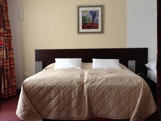 Hotel Hills: izba