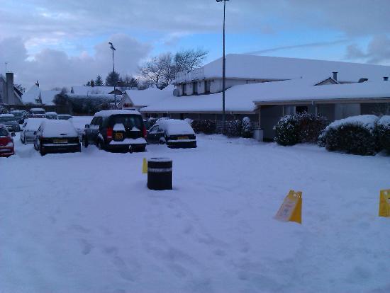Lodge Hotel: Snowscene