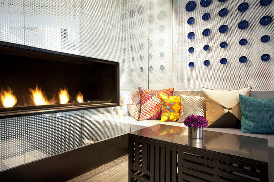 W San Francisco : Living Room Fireplace