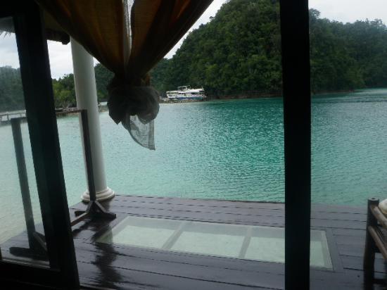 Club Tara Resort: bathroom view