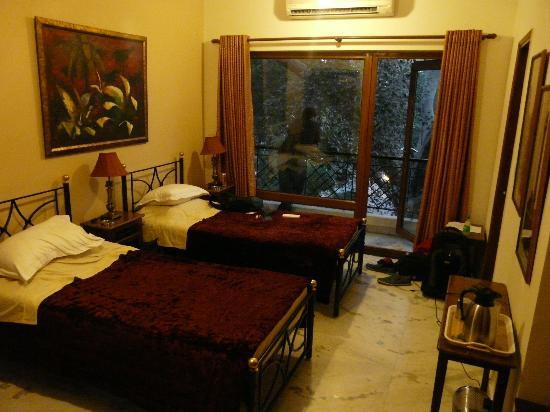 Saubhag Bed and Breakfast: Room