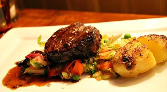 L'Auberge d'Hermance : Filet de Boeuf Dinner