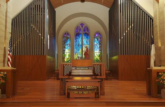 Ridgewood, NJ: Installed in 2006, this organ is the centerpiece of West Side's Music Program