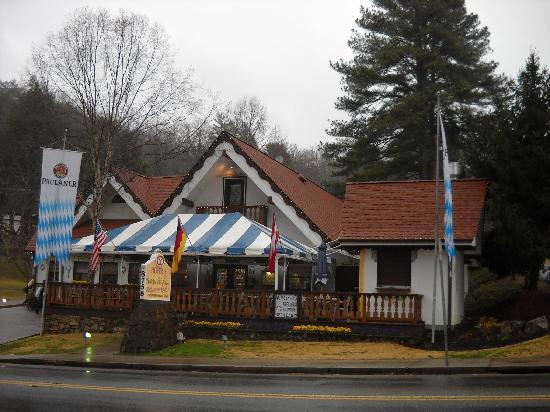 Hofer's of Helen: Front of bakery