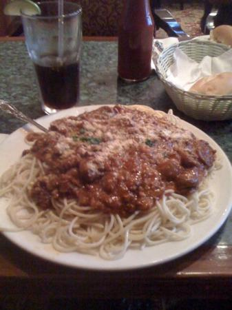 Peter's on Eglinton : Spaghetti with meat sauce.