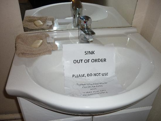 Beaconsfield Hotel: The Sink