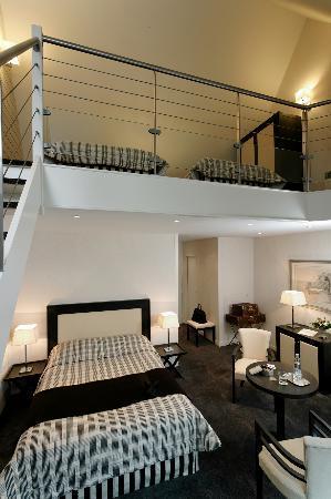 Hotel Chateau Tilques: A typical Mezzanine Room