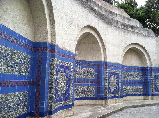 El Terado Terrace: wrigley memorial catalina tile