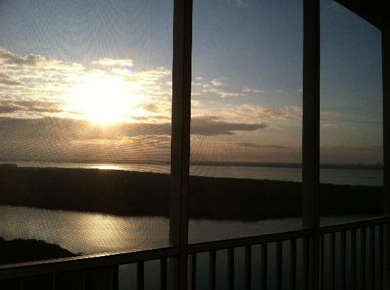The Westin Cape Coral Resort At Marina Village: Sunrise from the balcony, 18th floor