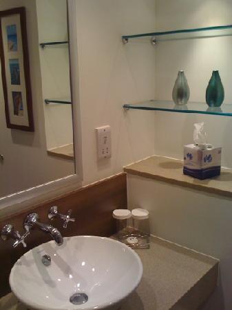 Staybridge Suites Newcastle: Nice modern bathroom