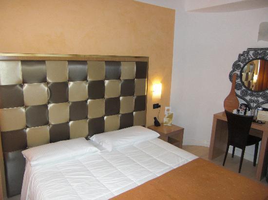 Logos Hotel: il letto