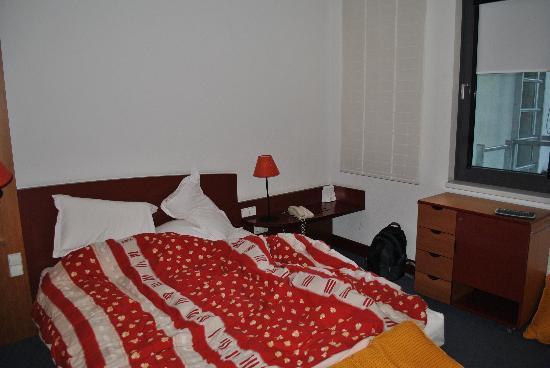 Novotel Suites Wien City Donau: Bett 1