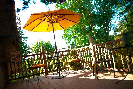 Adytum Sanctuary: 175 sq. ft. private deck - Star of the North - Koi Pond, Lake Mayfield and River views