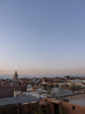 Riad Dar Tayib: Sunrise from the roof terrace