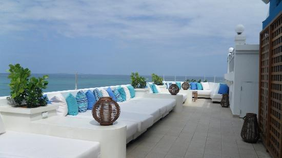 San Juan Water & Beach Club Hotel: Rooftop lounge - need I say more?